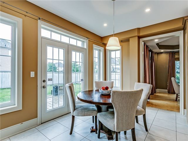 Detached at 66 Great Lakes Blvd, Oakville, Ontario. Image 16