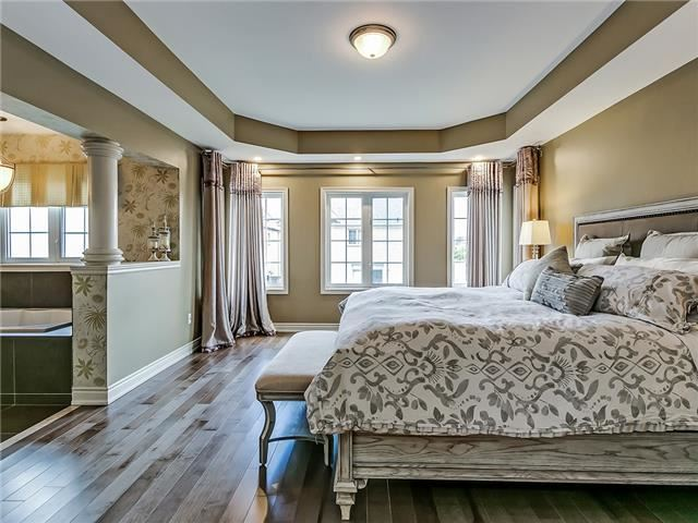 Detached at 66 Great Lakes Blvd, Oakville, Ontario. Image 18