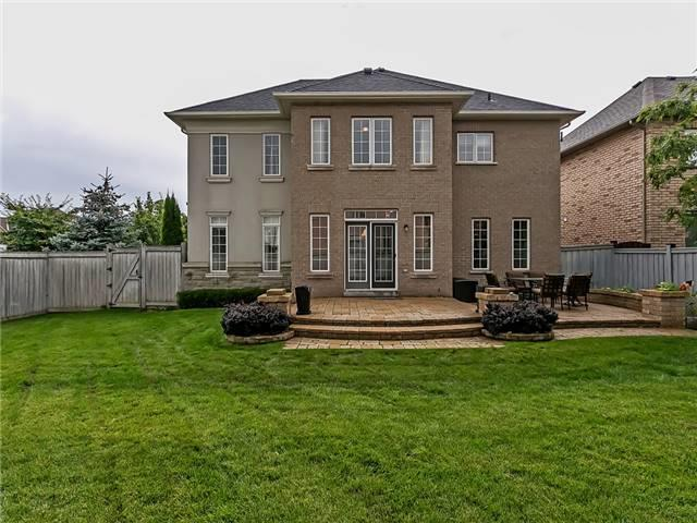 Detached at 66 Great Lakes Blvd, Oakville, Ontario. Image 10