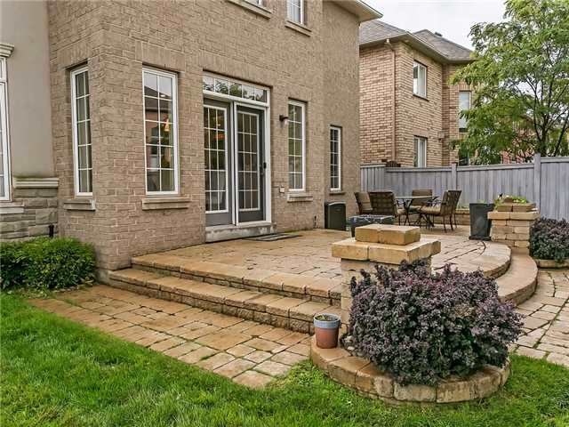 Detached at 66 Great Lakes Blvd, Oakville, Ontario. Image 11