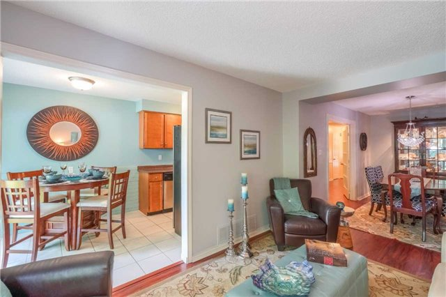 Condo Townhouse at 3360 Council Ring Rd, Unit 30, Mississauga, Ontario. Image 17