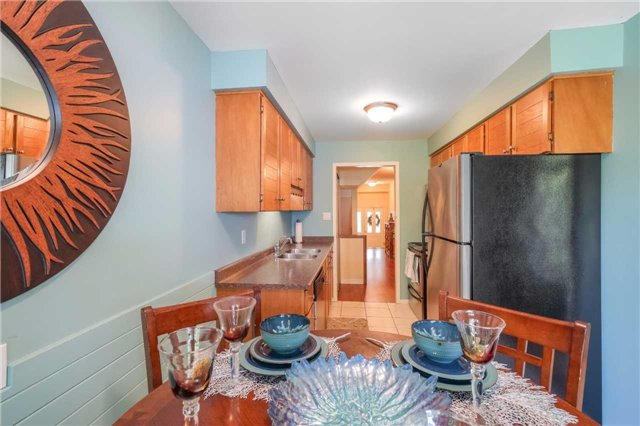 Condo Townhouse at 3360 Council Ring Rd, Unit 30, Mississauga, Ontario. Image 18