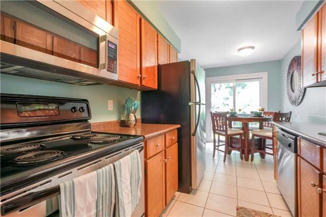 Condo Townhouse at 3360 Council Ring Rd, Unit 30, Mississauga, Ontario. Image 19
