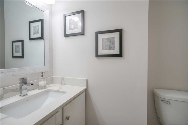 Condo Townhouse at 3360 Council Ring Rd, Unit 30, Mississauga, Ontario. Image 5