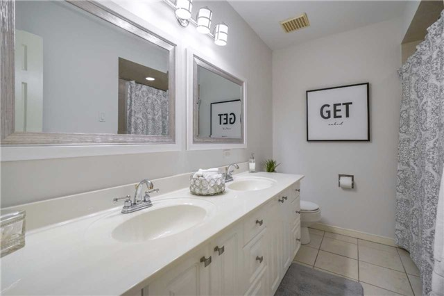 Condo Townhouse at 3360 Council Ring Rd, Unit 30, Mississauga, Ontario. Image 8