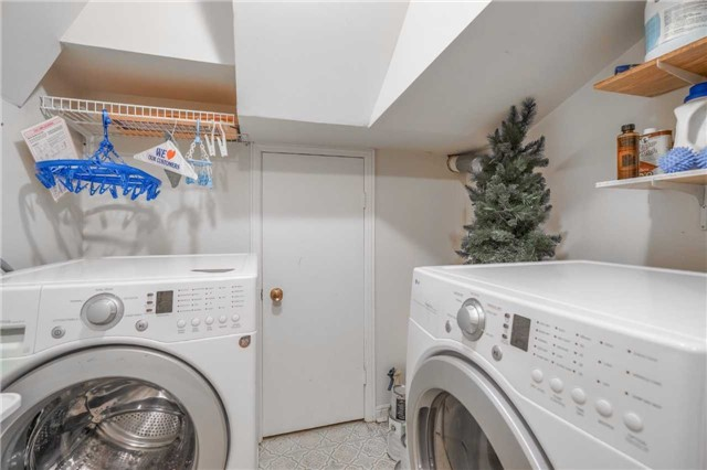Condo Townhouse at 3360 Council Ring Rd, Unit 30, Mississauga, Ontario. Image 10