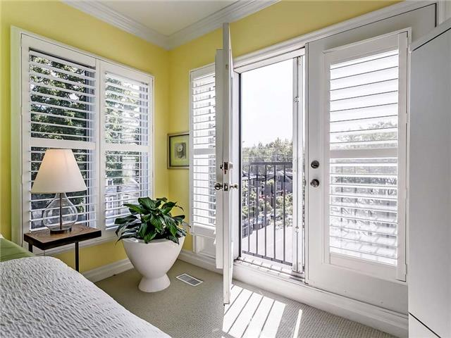 Townhouse at 349 Robinson St, Oakville, Ontario. Image 10