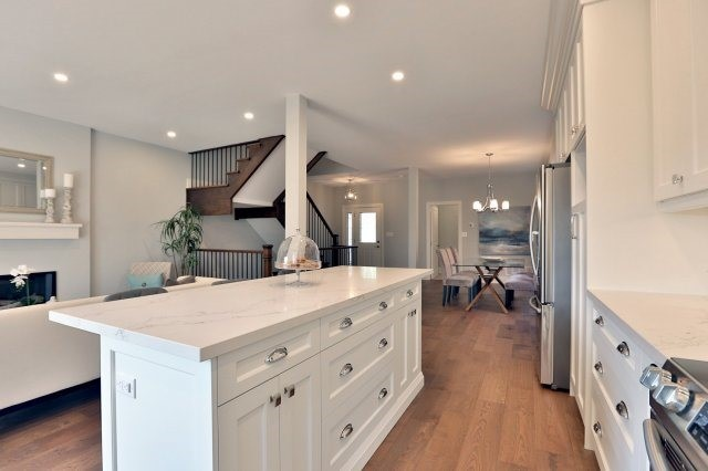 Detached at 4193 Trapper Cres, Mississauga, Ontario. Image 19