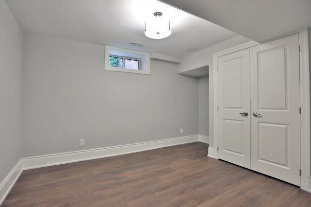Detached at 4193 Trapper Cres, Mississauga, Ontario. Image 10