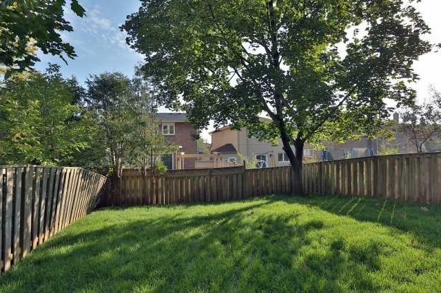 Detached at 4193 Trapper Cres, Mississauga, Ontario. Image 13