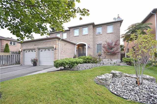 Detached at 2017 Schoolmaster Circ, Oakville, Ontario. Image 1