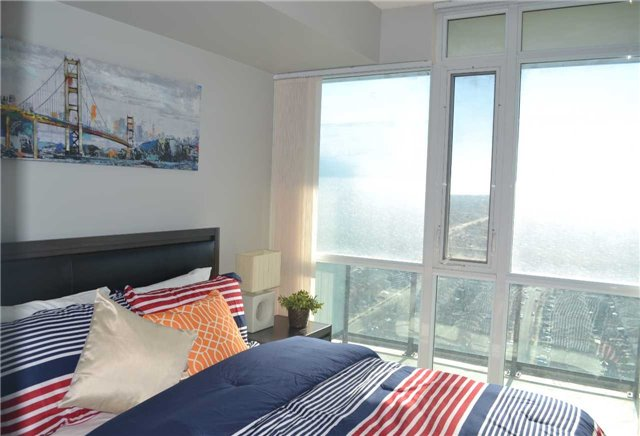 Condo Apartment at 4065 Brickstone Mews, Unit 2406, Mississauga, Ontario. Image 15