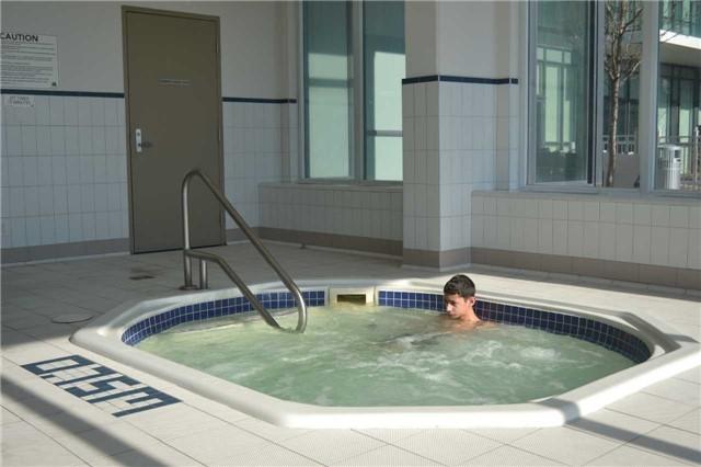 Condo Apartment at 4065 Brickstone Mews, Unit 2406, Mississauga, Ontario. Image 9