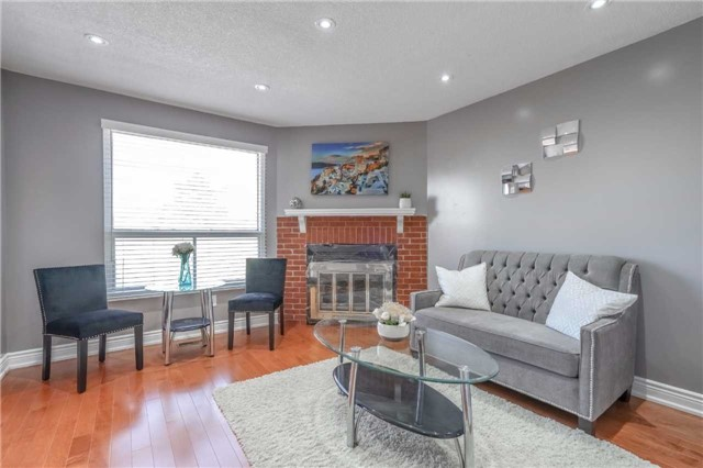 Detached at 1123 Ivandale Dr, Mississauga, Ontario. Image 18