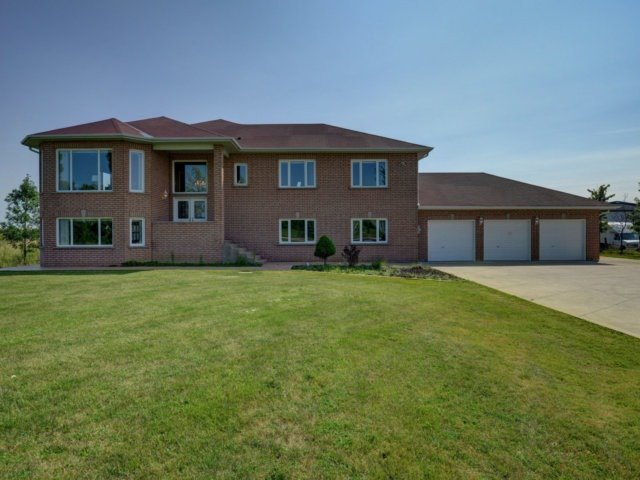 Detached at 2285 Old School Rd, Caledon, Ontario. Image 1