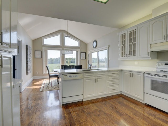 Detached at 2285 Old School Rd, Caledon, Ontario. Image 17