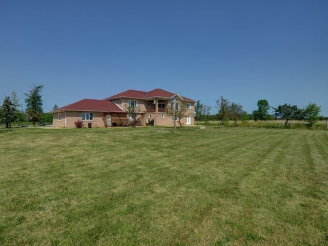Detached at 2285 Old School Rd, Caledon, Ontario. Image 10
