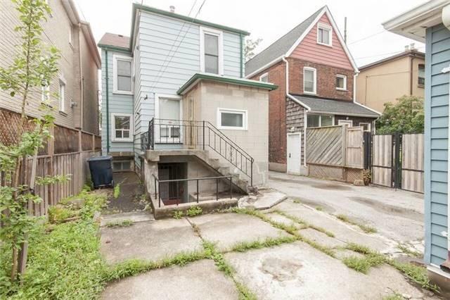 Detached at 114 Auburn Ave, Toronto, Ontario. Image 9