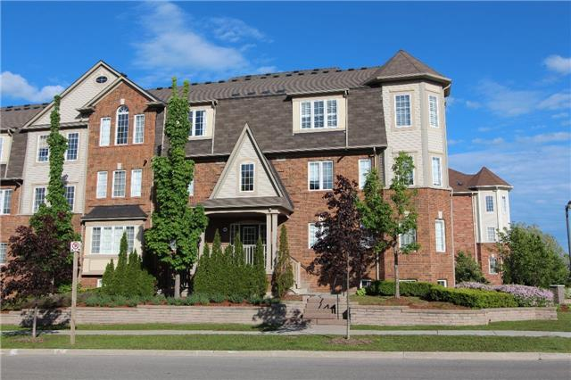 Condo Townhouse at 648 Shoreline Dr, Unit 2, Mississauga, Ontario. Image 1