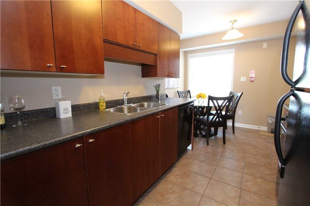 Condo Townhouse at 648 Shoreline Dr, Unit 2, Mississauga, Ontario. Image 14