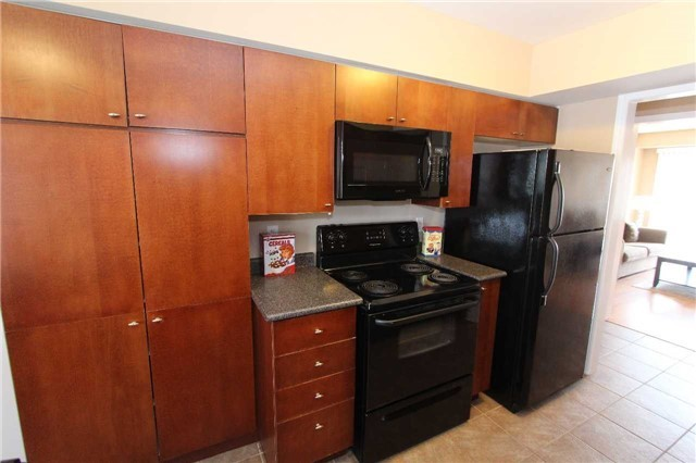 Condo Townhouse at 648 Shoreline Dr, Unit 2, Mississauga, Ontario. Image 16