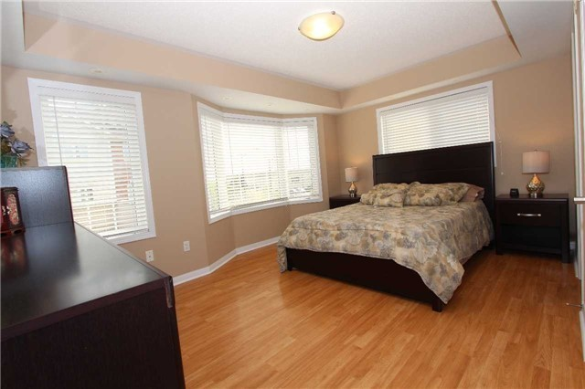 Condo Townhouse at 648 Shoreline Dr, Unit 2, Mississauga, Ontario. Image 18