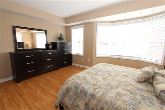 Condo Townhouse at 648 Shoreline Dr, Unit 2, Mississauga, Ontario. Image 20