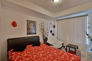 Condo Apartment at 385 Prince Of Wales Dr, Unit 409, Mississauga, Ontario. Image 5