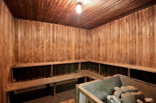 Condo Apartment at 1320 Mississauga Valley Blvd, Unit 816, Mississauga, Ontario. Image 5