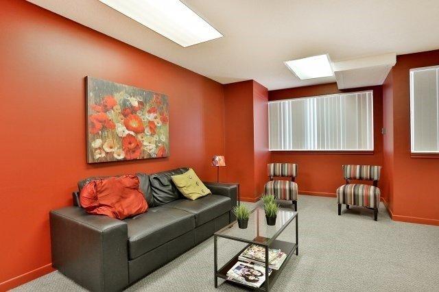 Condo Apartment at 1320 Mississauga Valley Blvd, Unit 816, Mississauga, Ontario. Image 6