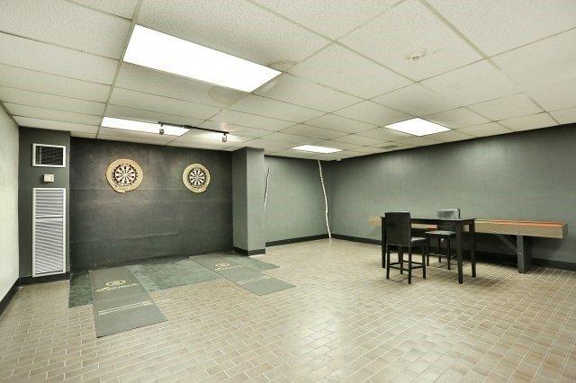Condo Apartment at 1320 Mississauga Valley Blvd, Unit 816, Mississauga, Ontario. Image 10
