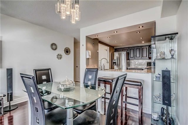 Condo Apartment at 400 Webb Dr, Unit 1206, Mississauga, Ontario. Image 11