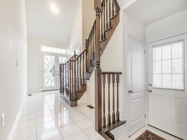 Detached at 257 Bonnieglen Farm Blvd, Caledon, Ontario. Image 17