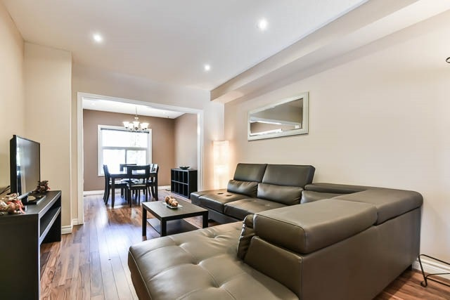 Townhouse at 1261 Killaby Dr, Mississauga, Ontario. Image 14