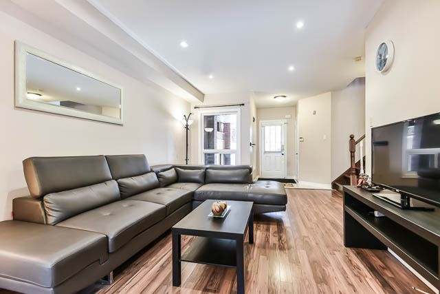 Townhouse at 1261 Killaby Dr, Mississauga, Ontario. Image 15