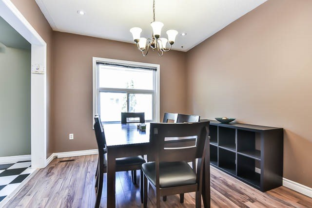 Townhouse at 1261 Killaby Dr, Mississauga, Ontario. Image 16