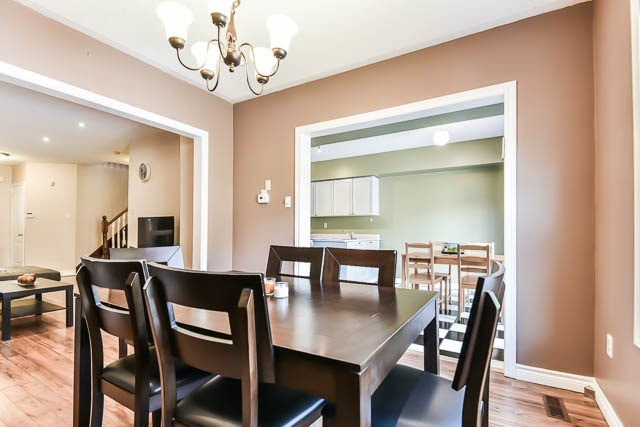 Townhouse at 1261 Killaby Dr, Mississauga, Ontario. Image 17