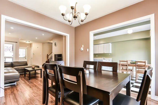 Townhouse at 1261 Killaby Dr, Mississauga, Ontario. Image 18