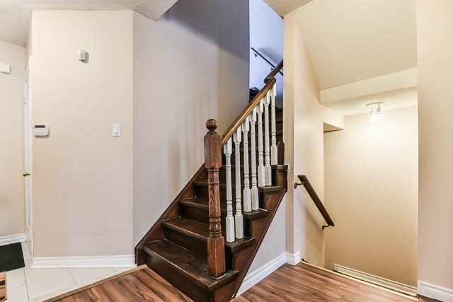 Townhouse at 1261 Killaby Dr, Mississauga, Ontario. Image 3