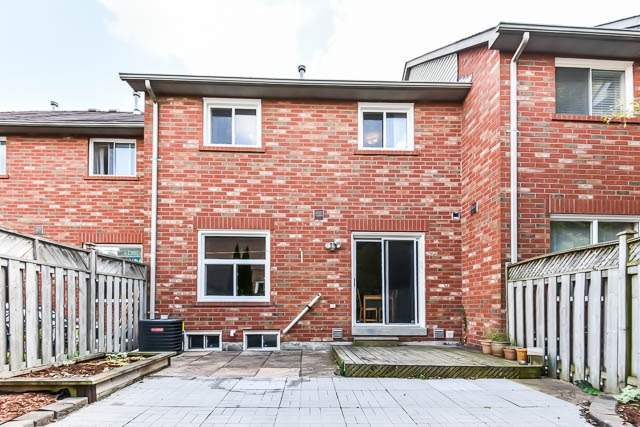 Townhouse at 1261 Killaby Dr, Mississauga, Ontario. Image 11