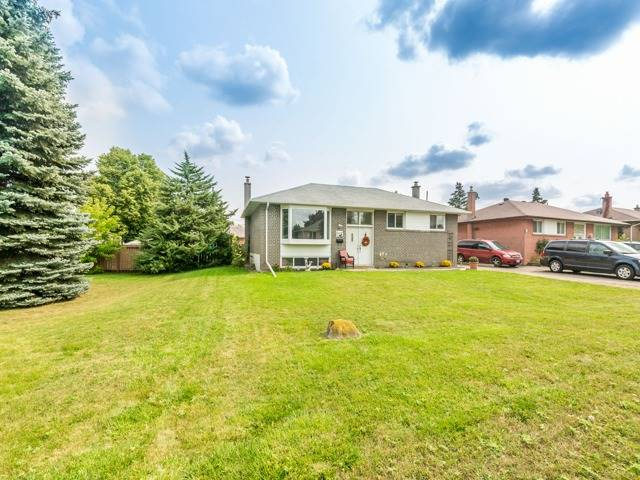 Detached at 40 Alexandria Cres, Brampton, Ontario. Image 12