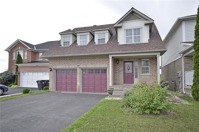 Detached at 214 Queen Mary Dr, Brampton, Ontario. Image 1