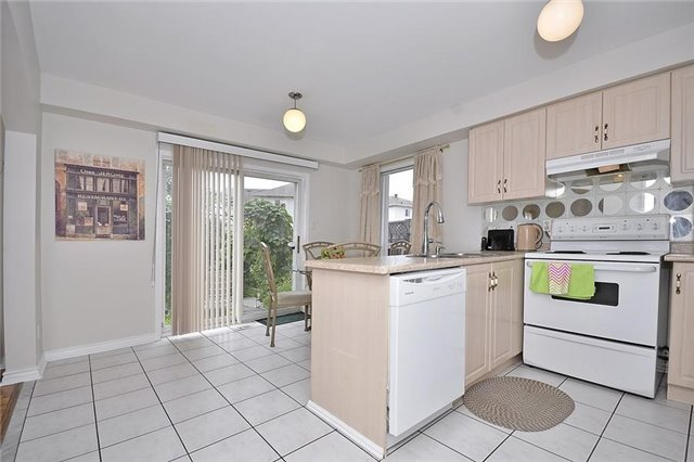 Detached at 214 Queen Mary Dr, Brampton, Ontario. Image 16