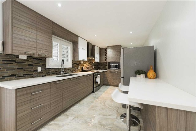 Detached at 7372 Manion Rd, Mississauga, Ontario. Image 15