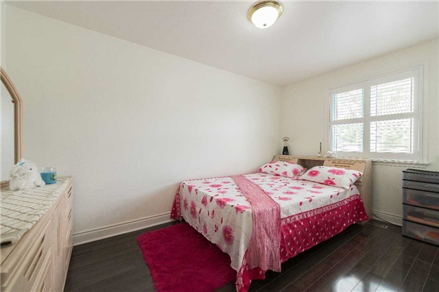 Detached at 7372 Manion Rd, Mississauga, Ontario. Image 3