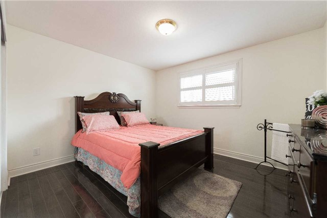 Detached at 7372 Manion Rd, Mississauga, Ontario. Image 4