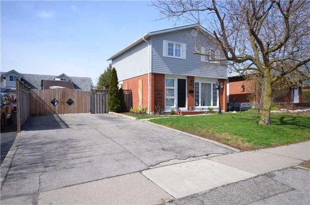Detached at 204 Folkstone Cres, Brampton, Ontario. Image 1