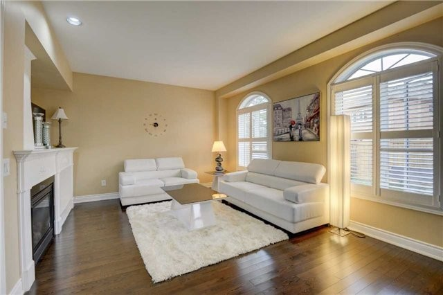 Detached at 131 Don Minaker Dr, Brampton, Ontario. Image 3