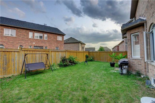 Detached at 131 Don Minaker Dr, Brampton, Ontario. Image 10