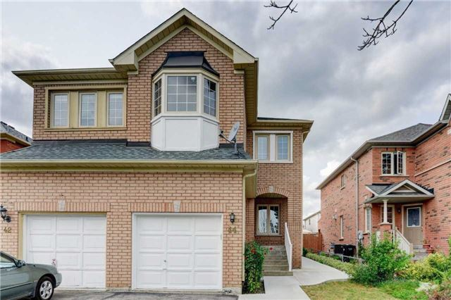 Semi-detached at 44 Oatfield Rd, Brampton, Ontario. Image 9